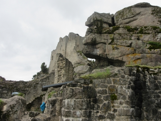 Aufstieg durch Felsgebilde