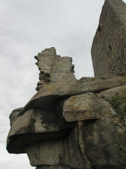 Burg mit Felsen