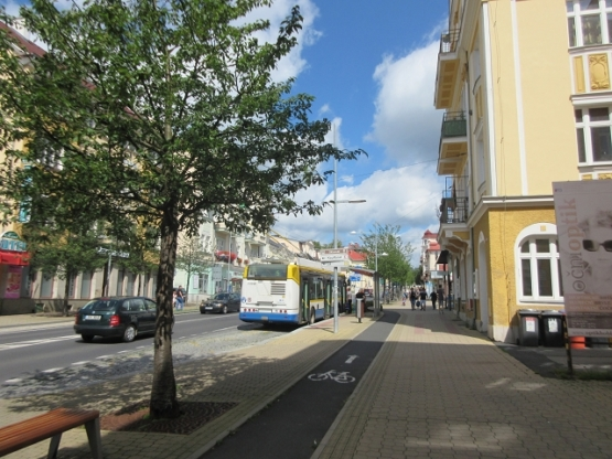 Die Haupt-Einfallsstraße von Süden her.