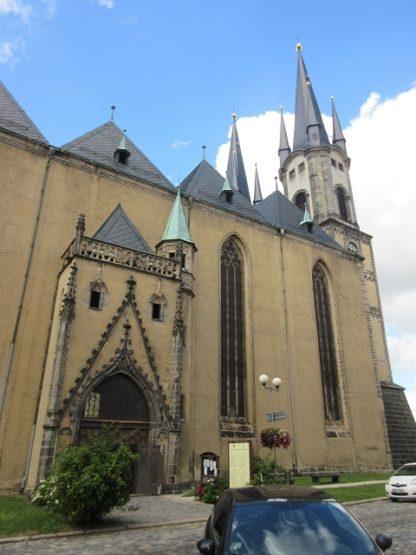 Sankt Nikolaus-Kirche, ein Wahrzeichen der Stadt.